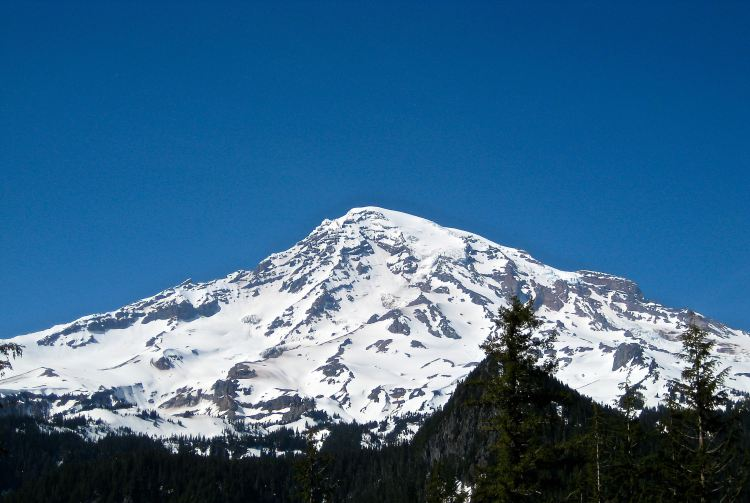 Mt. Rainier photo by Kelly Riley Walker