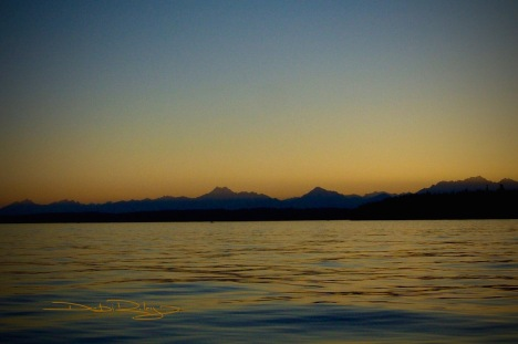 dusk, the Olympic mountains, photo  debiriley.com