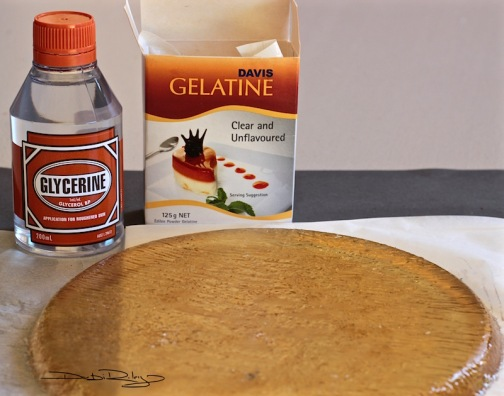 DIY round gelli plate, debiriley.com