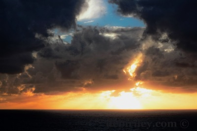 JMW Turner skies for inspiration, sunsets of the Indian Ocean Perth, nature landscape photography, debiriley.com